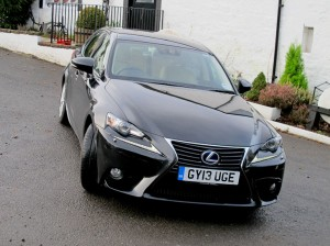 Lexus_IS300h_2013_015